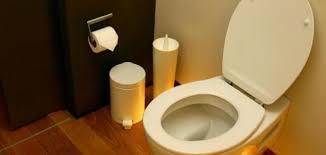 طريقة التخلص من رائحة الحمام الكريهة